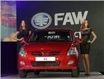 FAW V2 2013 вид спереди