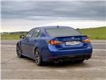 Lexus GS F 2016 вид сзади