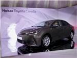 Toyota Corolla 2017 вид спереди сбоку