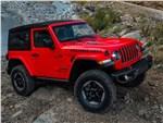Jeep Wrangler - Jeep Wrangler 2018 вид спереди сбоку