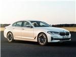 BMW 5-Series 2021 вид спереди