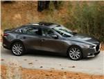 Mazda 3 Sedan 2019 вид спереди сбоку