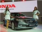 Honda Accord 2015 вид спереди