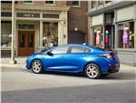 Chevrolet Volt 2016 вид сбоку сзади
