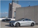 Mercedes-Benz S-class Coupe - Mercedes S 560 Coupe 4matic 2018: вид сбоку