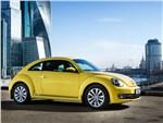 Volkswagen Beetle 2015 вид сбоку