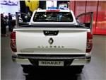 Renault Alaskan 2017 вид сзади