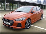 Hyundai Elantra Sport 2017 вид спереди сбоку