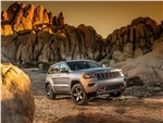 Jeep Grand Cherokee - Jeep Grand Cherokee Trailhawk 2017 вид спереди сбоку