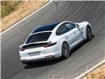 Porsche Panamera S E-Hybrid - Porsche Panamera Turbo S E-Hybrid 2018 вид сзади