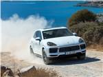 Porsche Cayenne - Porsche Cayenne 2018 вид спереди