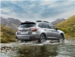 Subaru Outback - Subaru Outback 2018 вид сзади