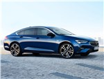 Opel Insignia - Opel Insignia 2020 вид сбоку