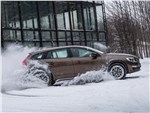 Volvo V60 Cross Country - Volvo V60 Cross Country 2015 вид сбоку