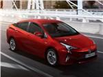 Toyota Prius 2016 вид спереди сбоку