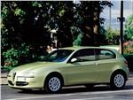 Alfa Romeo 147 - Alfa Romeo 147 2000 вид сбоку