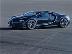 Bugatti Chiron - Bugatti Chiron 2017 вид сбоку