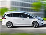 Opel Zafira - Opel Zafira 2017 вид сбоку