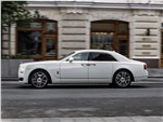 Rolls-Royce Ghost - Rolls-Royce Ghost 2015 вид сбоку
