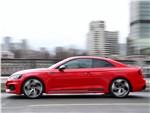 Audi RS5 2018 вид сбоку