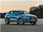 Audi Q3 2019 вид спереди сбоку