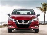 Nissan Tiida - Nissan Tiida 2015 вид спереди