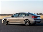 BMW 6-Series Gran Turismo 2021 вид сбоку сзади