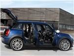 MINI Cooper 5-door - Mini Cooper 5-door 2014 вид сбоку открытые двери