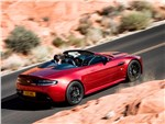 Aston Martin Vantage Roadster - Aston Martin V12 Vantage S 2015 вид сзади сбоку