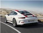 Porsche 911 R 2017 вид сзади сбоку