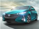 Toyota Prius Prime 2017 вид спереди