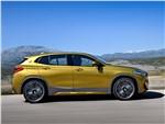 BMW X2 - BMW X2 2019 вид сбоку