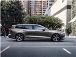 Volvo V60 - Volvo V60 2019 вид сбоку