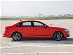 Audi S4 2017 вид сбоку