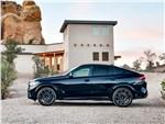 BMW X6 M - BMW X6 M 2020 вид сбоку