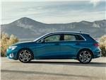 Audi A3 - Audi A3 Sportback 2021 вид сбоку