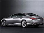 Lexus LS - Lexus LS (2021) вид сзади