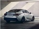 Lexus IS - Lexus IS (2021) вид сзади