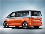 Volkswagen Multivan - Volkswagen Multivan (2022) вид сзади