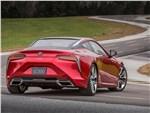 Lexus LC500 2017 вид сзади