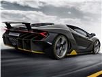 Lamborghini Centenario - Lamborghini Centenario LP770-4 2017 вид сбоку сзади