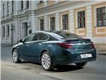 Opel Insignia 2014 вид сзади