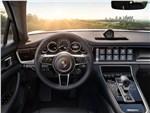 Porsche Panamera 4 E-Hybrid - Porsche Panamera 4 E-Hybrid 2017 салон