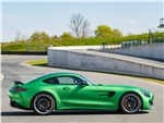 Mercedes-AMG GT R 2017 вид сбоку