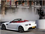 Aston Martin Vantage Roadster - Aston Martin Vantage Roadster 2013 вид сзади