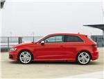 Audi S3 2013 вид сбоку