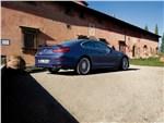 BMW Alpina B6: задняя и правая части