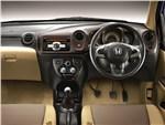 Honda Brio Amaze 2013 водительское место