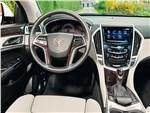 Cadillac SRX - Cadillac SRX 2013 водительское место