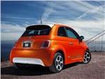 Fiat 500e - FIAT 500e 2013 вид сзади